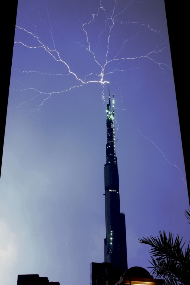 Incredible Lightening Strikes (2/4)