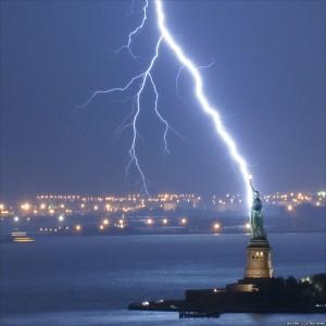 Incredible Lightening Strikes (1/4)
